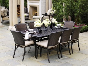 summer-classics-plaza-dining-small.jpg